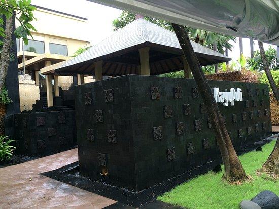 Kayuputi at St. Regis Bali Resort: Kayupiti entrance