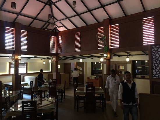 Lums Royal Multicuisine Restaurant Best Family In Kanhangad