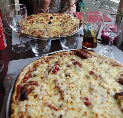 La Regence: tir groupé sur les pizzas ce midi là :-)