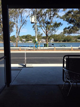 Paynesville, Australia: view from front tables