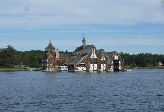 Gananoque, Canada: 攝於:Thousand islands