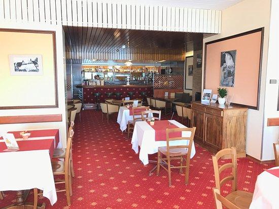 """Sainte-Croix, Schweiz: Bar """"petit restaurant """""""
