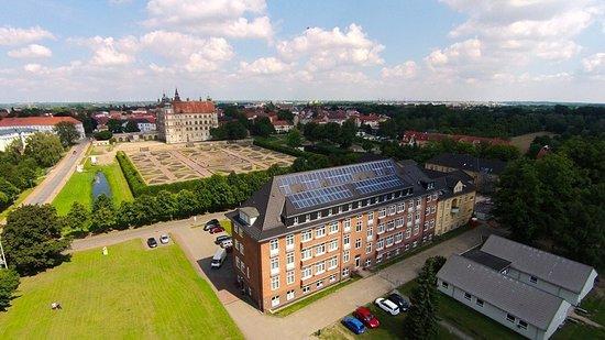 Hotel am Schlosspark: Luftaufnahme - Hotelgelände