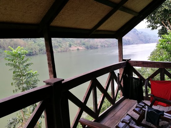 Nong Khiaw, Λάος: River views from our balcony