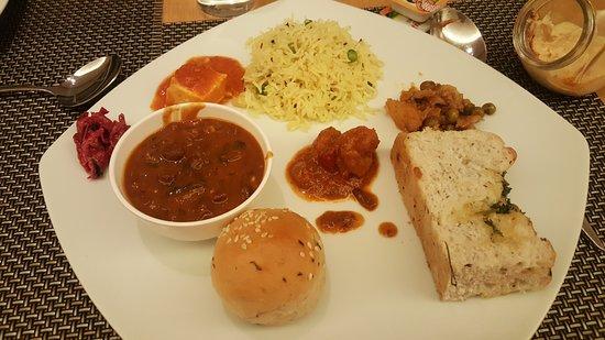 Seasonal Tastes: prawn khada masala had too much masala/dal makhani should be off the menu