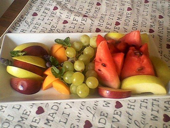 Calitzdorp, แอฟริกาใต้: Fruit platter