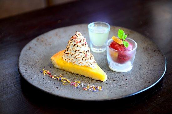 Hucknall, UK: Lemon Meringue Tart