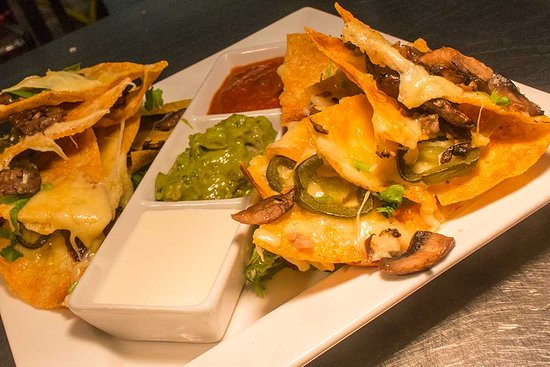 West Linton, UK: Nachos, a Bakehouse favourite