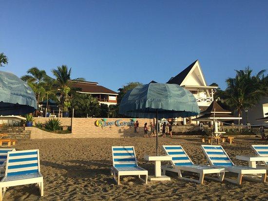 藍珊瑚海灘度假村
