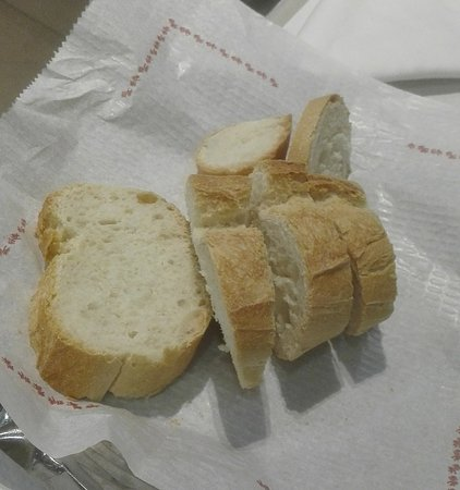 Calaceite, Spain: El pan de la Fonda Alcalá