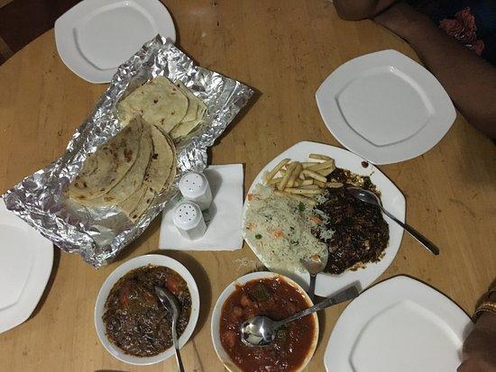 Camp Noel : Dinner