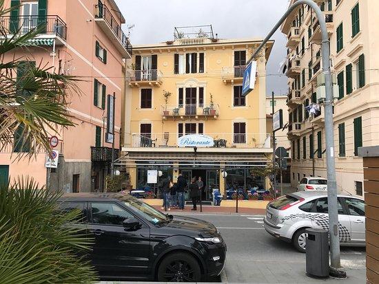 Hotel milton varazze italia review hotel for Hotel milton milano