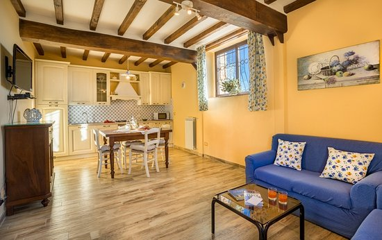 Casa Podere Monti: kitchen