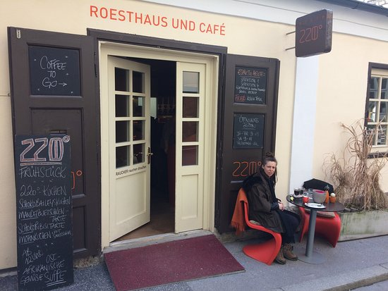 Photo of Cafe 220 GRAD at Chiemseegasse 5, Salzburg 5020, Austria