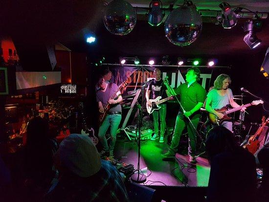 Pfläumli - Live Club
