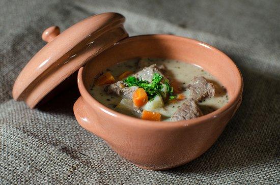 """Вышеград, Венгрия: Visegrád étele: vadraguleves / Visegrad""""s meat: Game ragout soup"""
