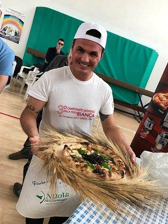 Solarino, Italia: Campionato mondiale pizza. L'agorà c'è