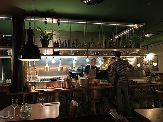 Open Keuken Bar : Een mooie open keuken foto van hof van holland noordwijk