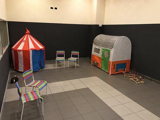 Bresso, Italia: Uno scorcio della sala bimbi dove potrete trovare le nostre Babysitter