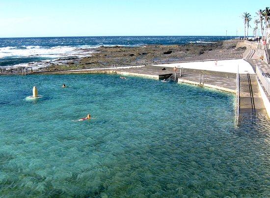 El arenisco litoral de la lahuna tenerife bild von for Piscina natural tenerife