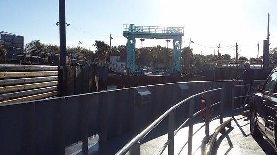 Atlantic Beach, FL: Pulling in to the dock