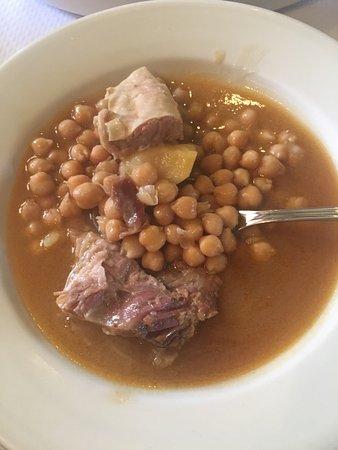 Buena comida picture of meson restaurante los molinos for Comida buena