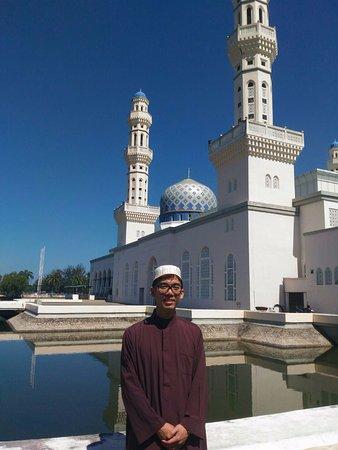 Kota Kinabalu City Mosque : 5RM可以租到穆斯林服飾