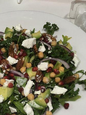 Chick pea & avocado salad bowl
