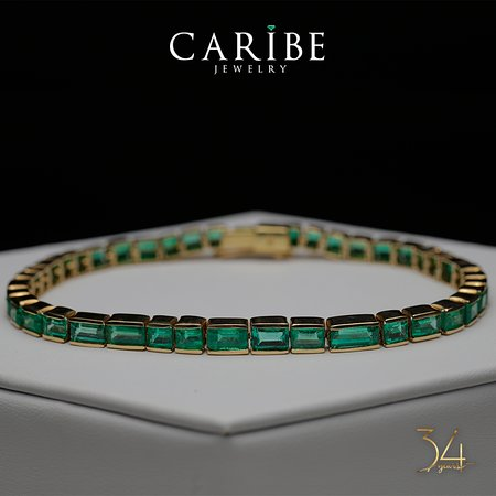 Caribe Jewelry and Emerald Museum: Colombian emeralds. Forever green. - Esmeraldas colombianas. Verde siempre.