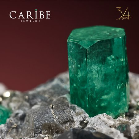 Caribe Jewelry and Emerald Museum: Colombian emerald. Caribe emerald. Forever green - Esmeralda colombiana. Verde siempre.