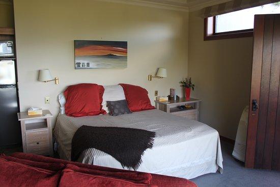 Tauhara Sunrise Lodge: Main Room