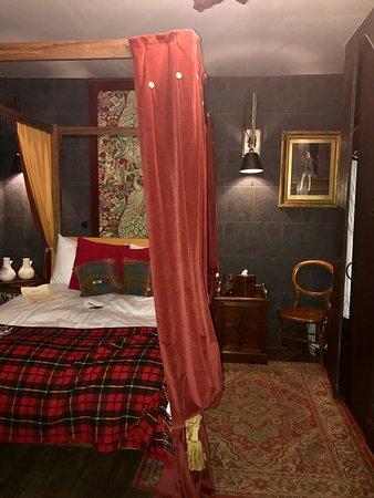 Georgian House Photo