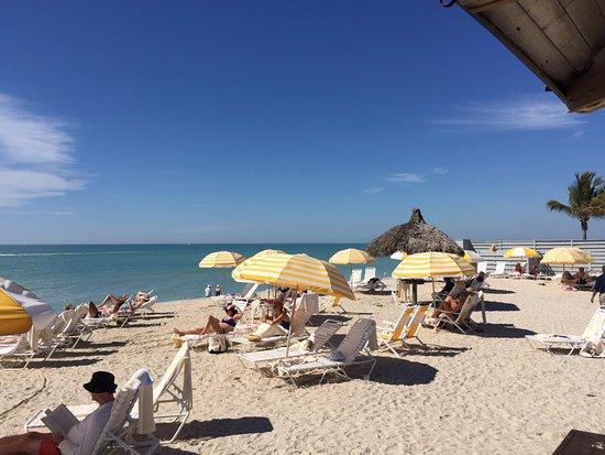 Gasparilla Inn & Club: Pretty, private beach area for resort guests