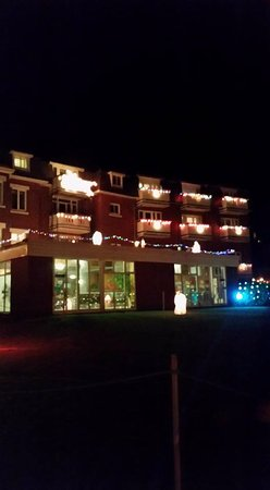 Devoncourt all lit up for Christmas 2016
