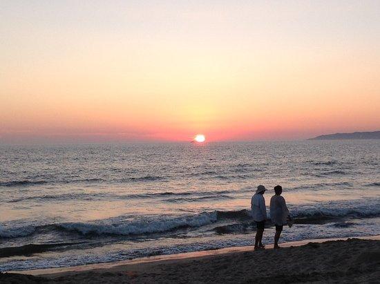 Nuevo Vallarta Beach: Sunset on Banderas Bay from the Neuvo Vallarta beach