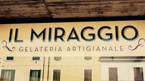 Caselle di Sommacampagna, Italy: Il MIRAGGIO geletria artigianale