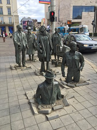 The monument of an anonymous passerby - Picture of Monument to the  Anonymous Passerby, Wroclaw - Tripadvisor