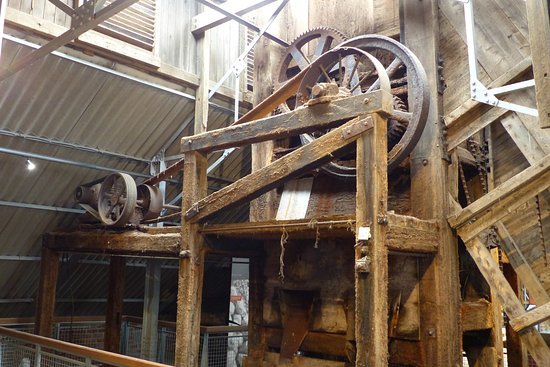 Northwich, UK: Preserved machinery in the processing shed