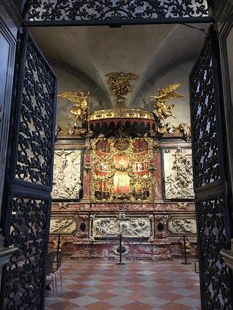 Basilica Santa Maria Gloriosa dei Frari: photo1.jpg
