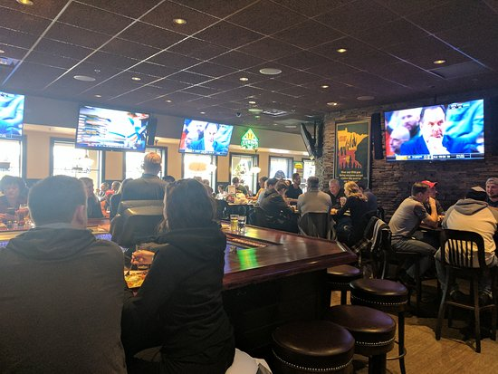 Maple Grove, MN: Malone's Bar and Grill