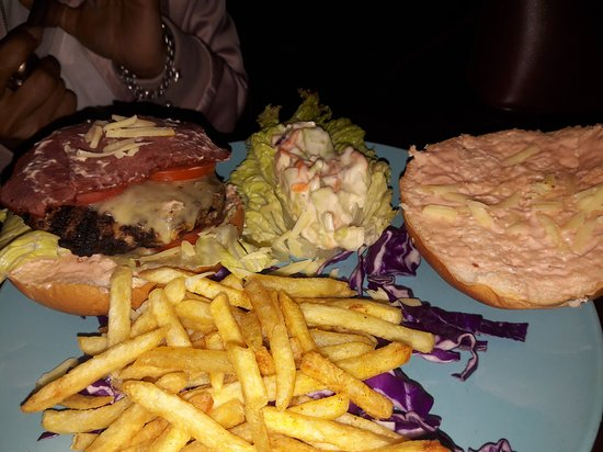 Snack Shack: Very tasty juicy burger with very affordable price and excellent service