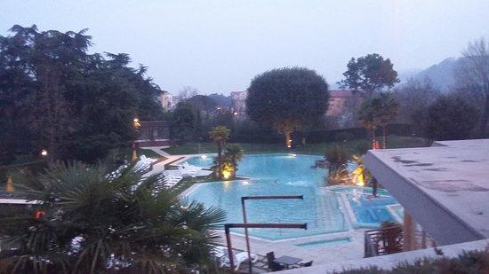 Hotel Garden Terme: Piscina di sera