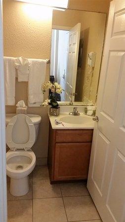 Athens Hotel Suites: SOOOOO CLEAN!