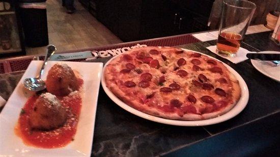 East Rochester, NY: Arancini...supreme pizza