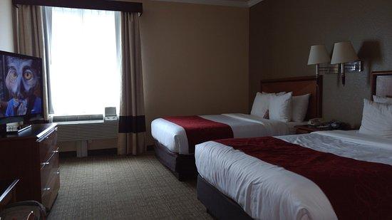 Comfort Suites Deer Park : Plenty spacios