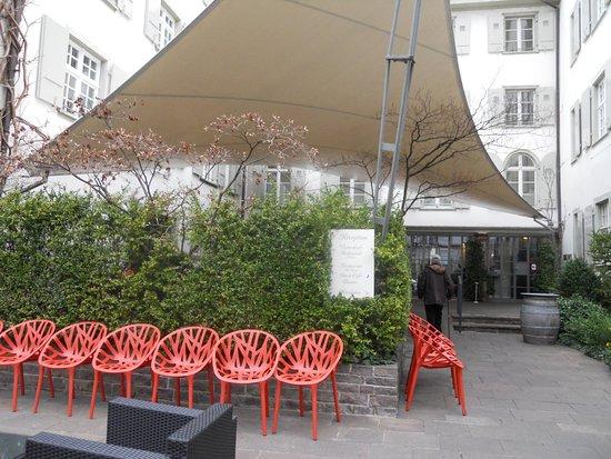 Der Teufelhof Basel : Aussenbereich, Terrasse