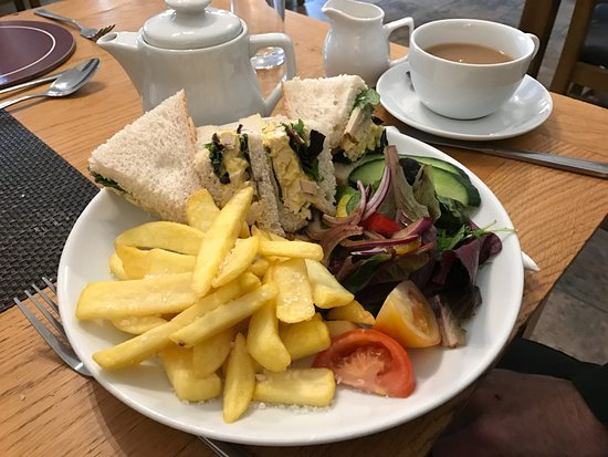Kimmeridge, UK: Coronation Chicken sandwich