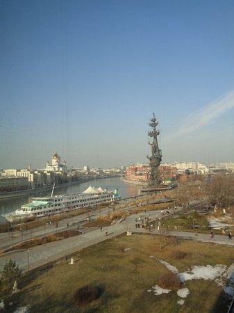 Третьяковская галерея на Крымском валу: Вид из окна галереи