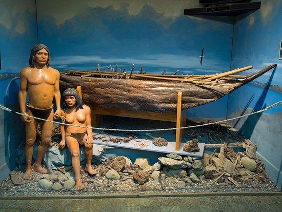 Museo Maritimo y del Presidio de Ushuaia: Exhibit of the aboriginal residents