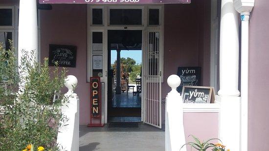 Stanford, Zuid-Afrika: YUM Eat Cafe